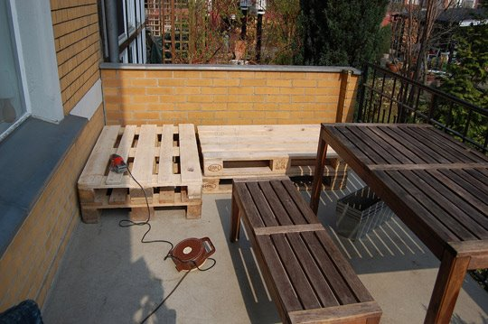 C mo hacer un sill n de palets para la terraza for Asientos para terrazas