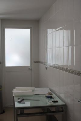 Suelo mas limpio cocina decorar tu casa es - Tapar azulejos cocina ...