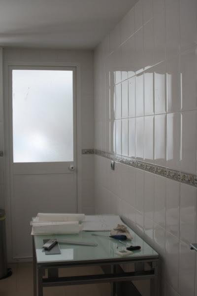Azulejos cocina rectangulares for Baldosas vinilicas pared