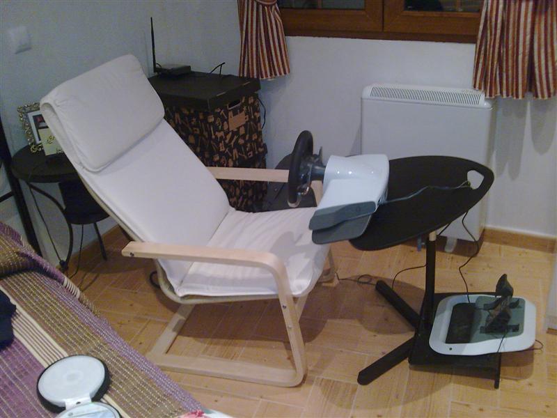 SOPORTE PLEGABLE VOLANTE PC Ikea_solution2