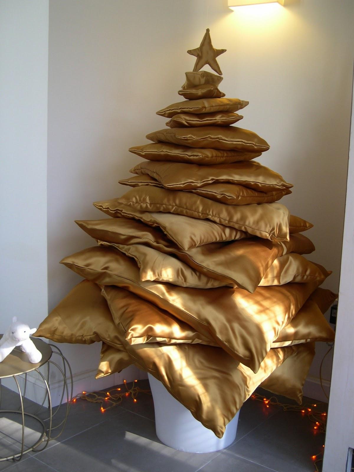 El Arbol De Navidad De Cojines Dorados De Elena X4duroscom - Arboles-de-navidad-dorados