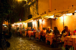 Alfresco dining in Trastevere - Rome, Italy