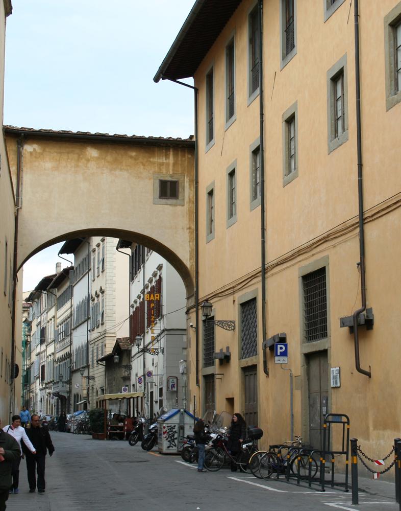 Curiosità di Firenze: Via Capponi e Via Laura: i passaggi di Palazzo ...
