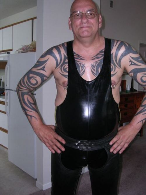 Redneck guys with pierced nipples sex porn images for Tattooed and pierced porn