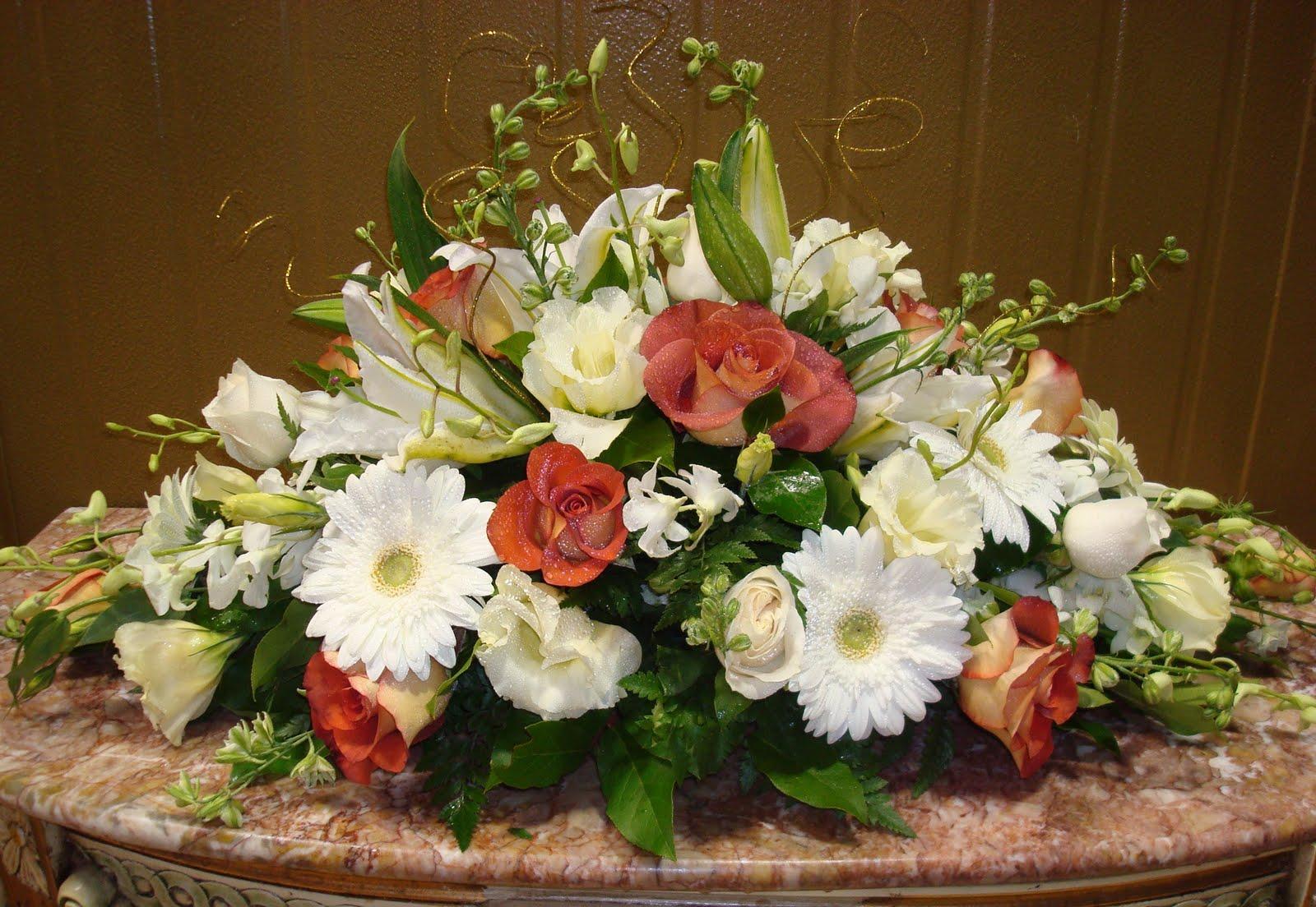 Bernardo 39 S Flowers 50th Anniversary Wedding Flowers