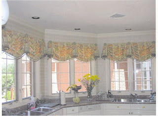 Window treatments perk up this contemporary kitchen