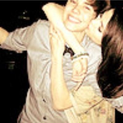 are selena gomez and justin bieber dating. Justin Bieber Says:Selena Is