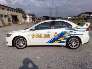 Kereta Peronda Malaysia Evo 10 5