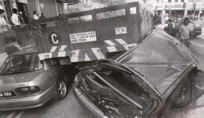 Naza lorry crash