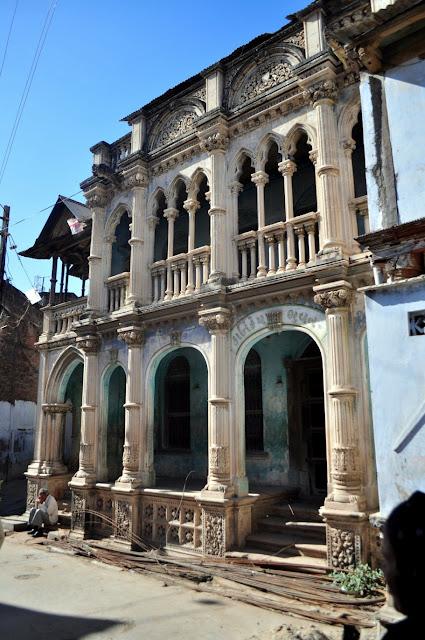 vadnagar narendra modi gujarat haveli houses