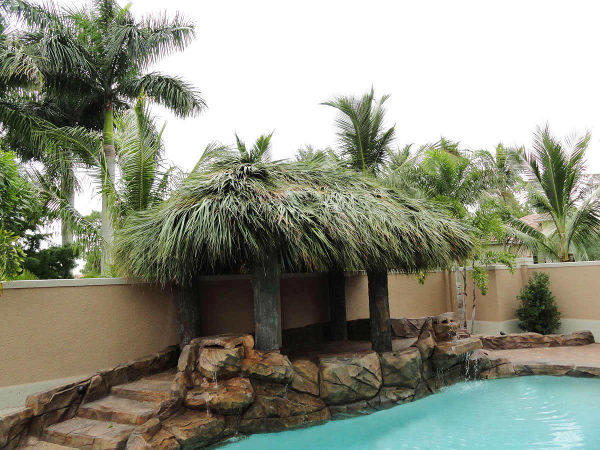 tiki hut welcome to palm huts florida tiki huts tiki bars tiki huts tiki bars chickee. Black Bedroom Furniture Sets. Home Design Ideas