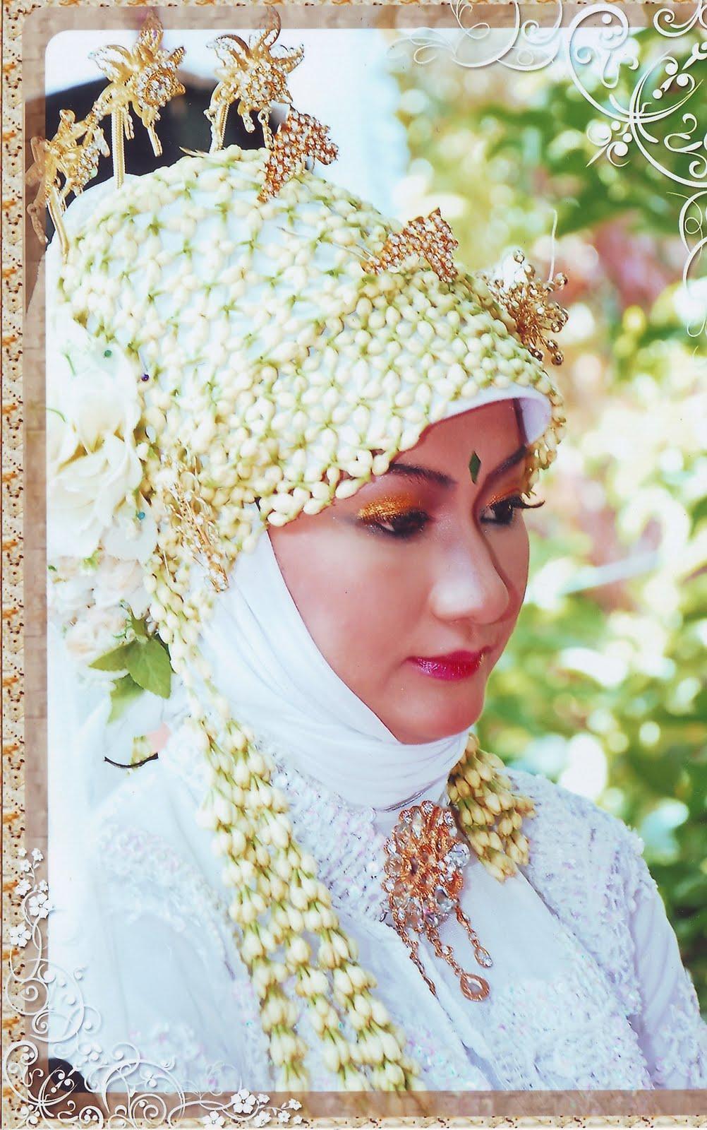 hasil karya riasan pengantin dari bunda rias pengantin