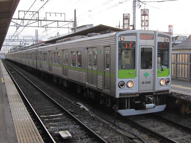 京王電鉄 急行 高尾山口行き6 10-000形7次車(土日2本運行)