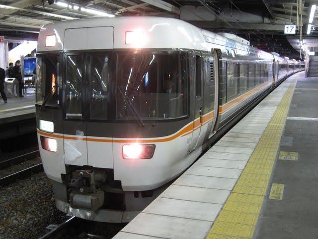 特急 しなの16号 大阪行き 383系