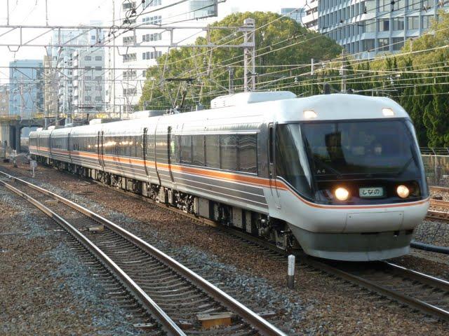 特急 しなの9号 長野行き 383系