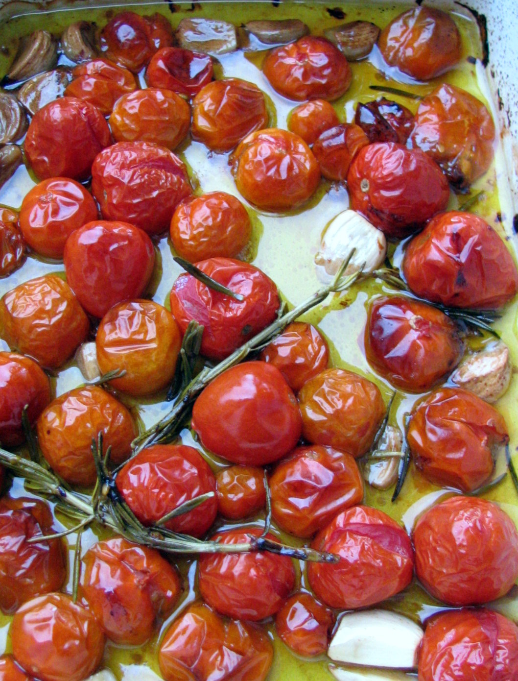FOOD STYLING AND REAL LIFE: Cherry Tomato Confit & Pasta