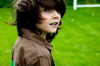 longhairboyz: beautiful long-haired BOY 5