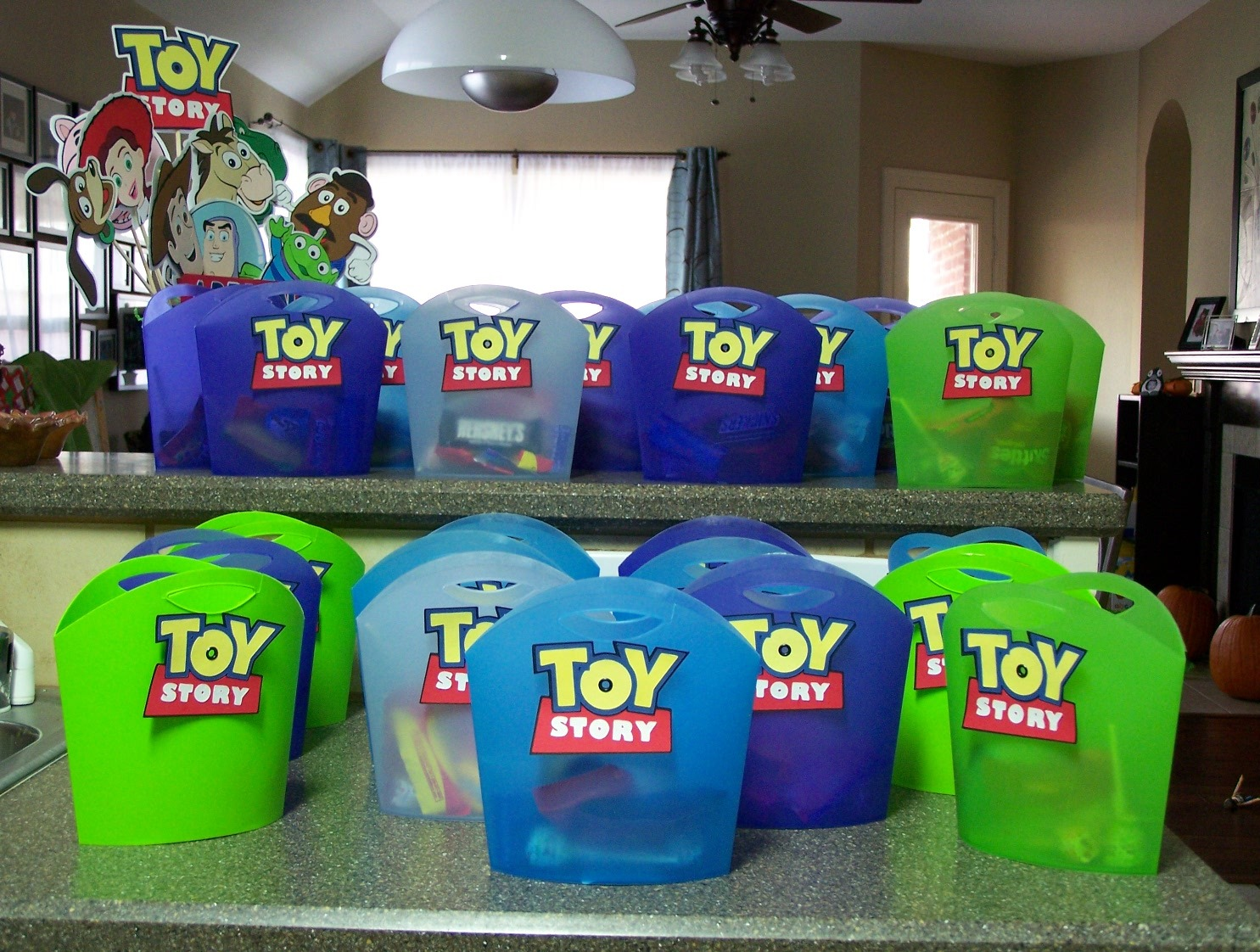 Party Favor Toys : Lc card making corner toy story party favors