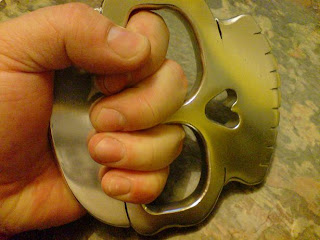 SinSkull - New Skull Knuckle Duster Design by SINZA Skull+Knuckle+duster+brass+knuckles+by+weaponcollector+(18)