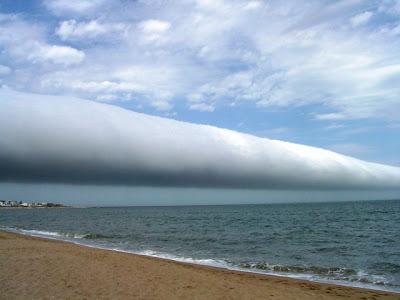Curiosa nube rodillo en Uruguay