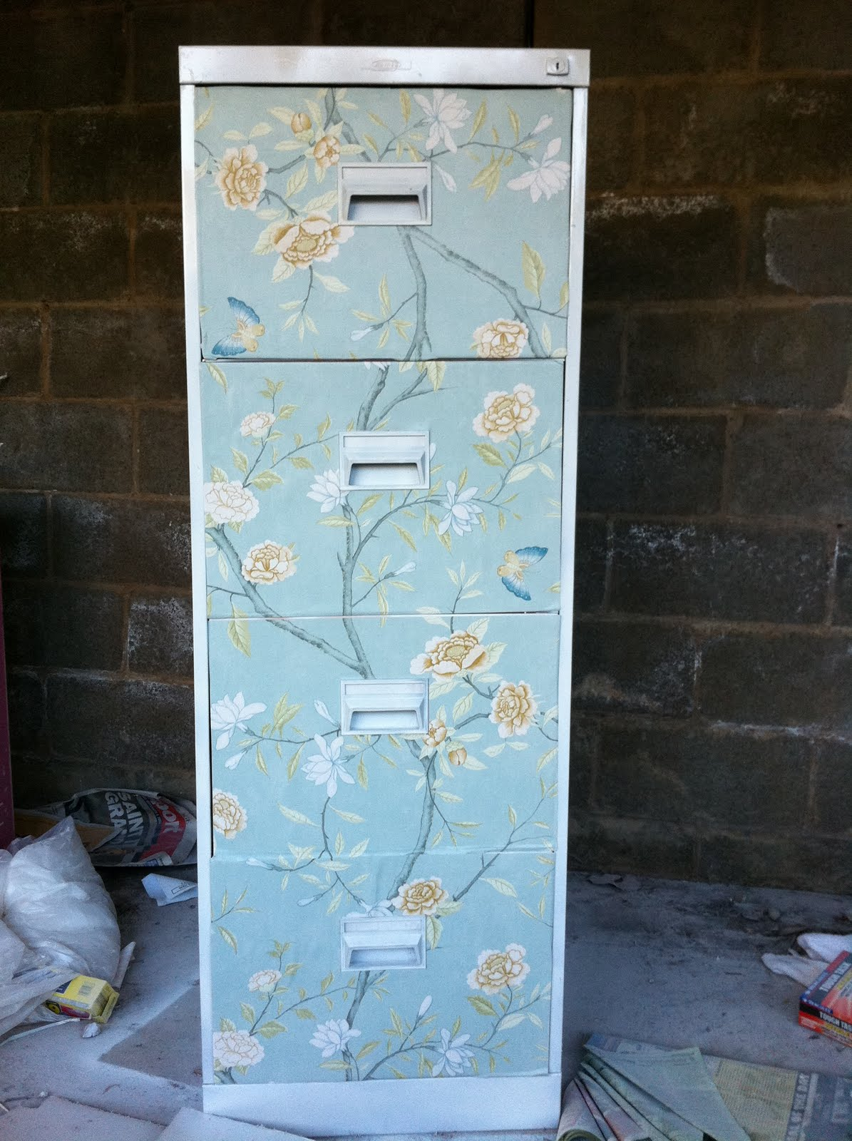 piccadilly market my diy filing cabinet from drab to fab. Black Bedroom Furniture Sets. Home Design Ideas
