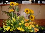 O amarelo em arranjo floral