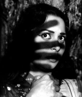 Waheeda Rehman in film bees saal baad