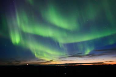 aurora borealis curtains alaska Badai Matahari 2012 yang Mengerikan