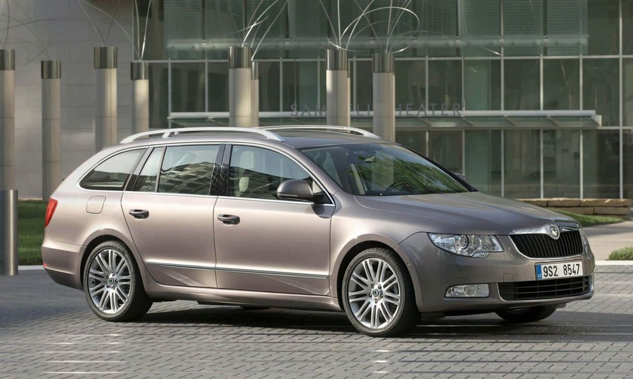 2010 skoda superb combi vivid car. Black Bedroom Furniture Sets. Home Design Ideas