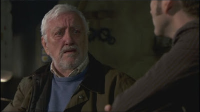 Bernard Cribbins Wilfred Mott Donna's grandfather Doctor Who The End of Time Part 2 screencaps images photos pictures screengrabs captures