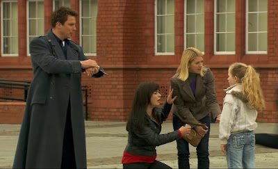 Captain Jack Harkness John Barrowman Eve Myles Gwen Cooper Torchwood Children of Earth Part One screengrabs screencaps photos images pictures caps