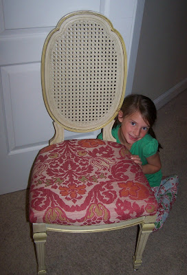 chair makeover http://bec4-beyondthepicketfence.blogspot.com/2009/04/quick-chair-makeover.html