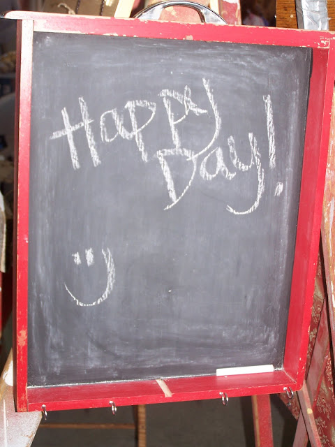 chalkboard http://bec4-beyondthepicketfence.blogspot.com/2010/07/chalk-talk.html