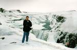 Gunvor vid Gullfors, Island - i riktigt isländskt väder