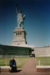 Statue of Liberty NYC med Gunvor i förgrunden