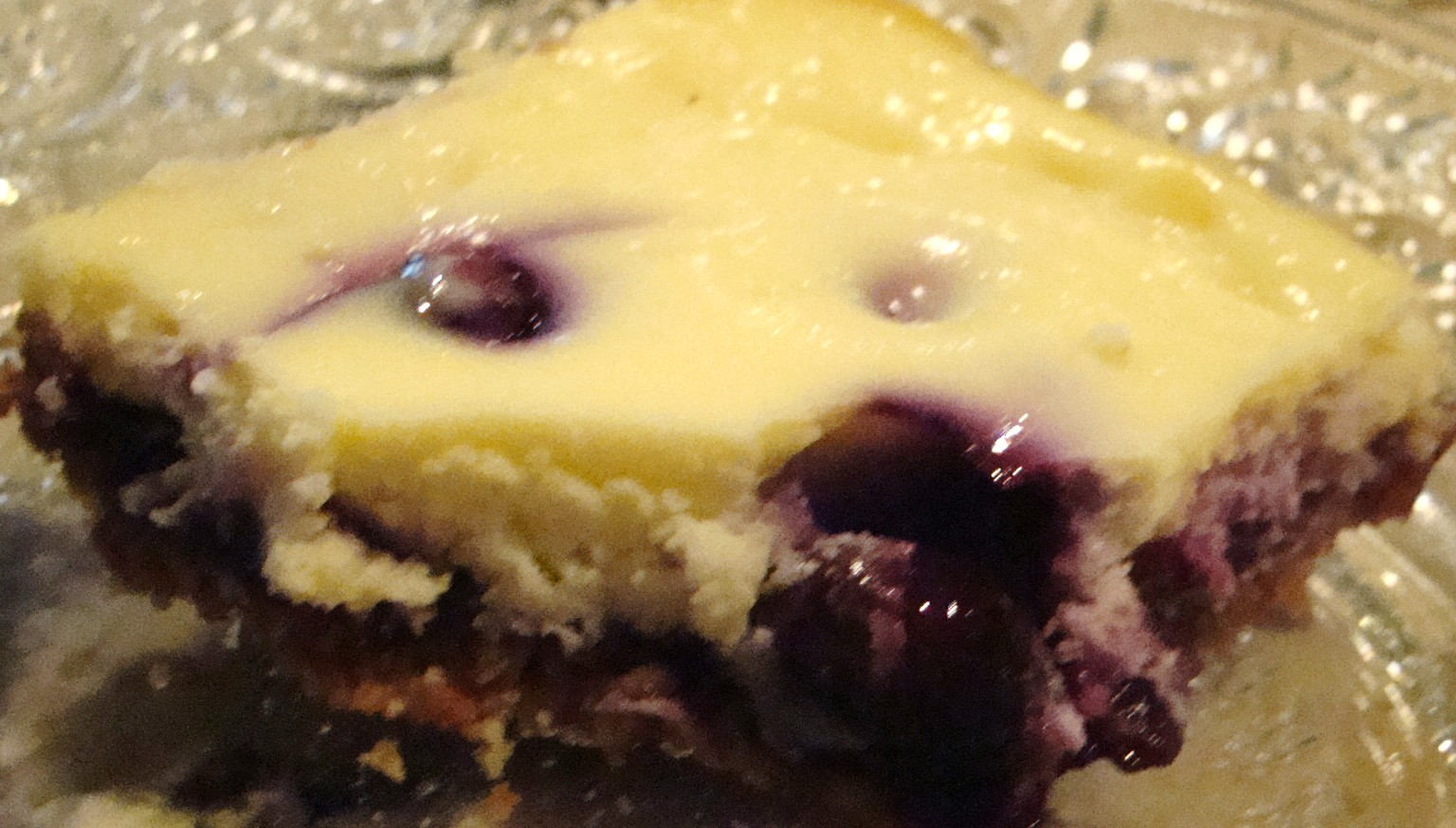 The Bear Cupboard: BLUEBERRY CHEESECAKE BARS