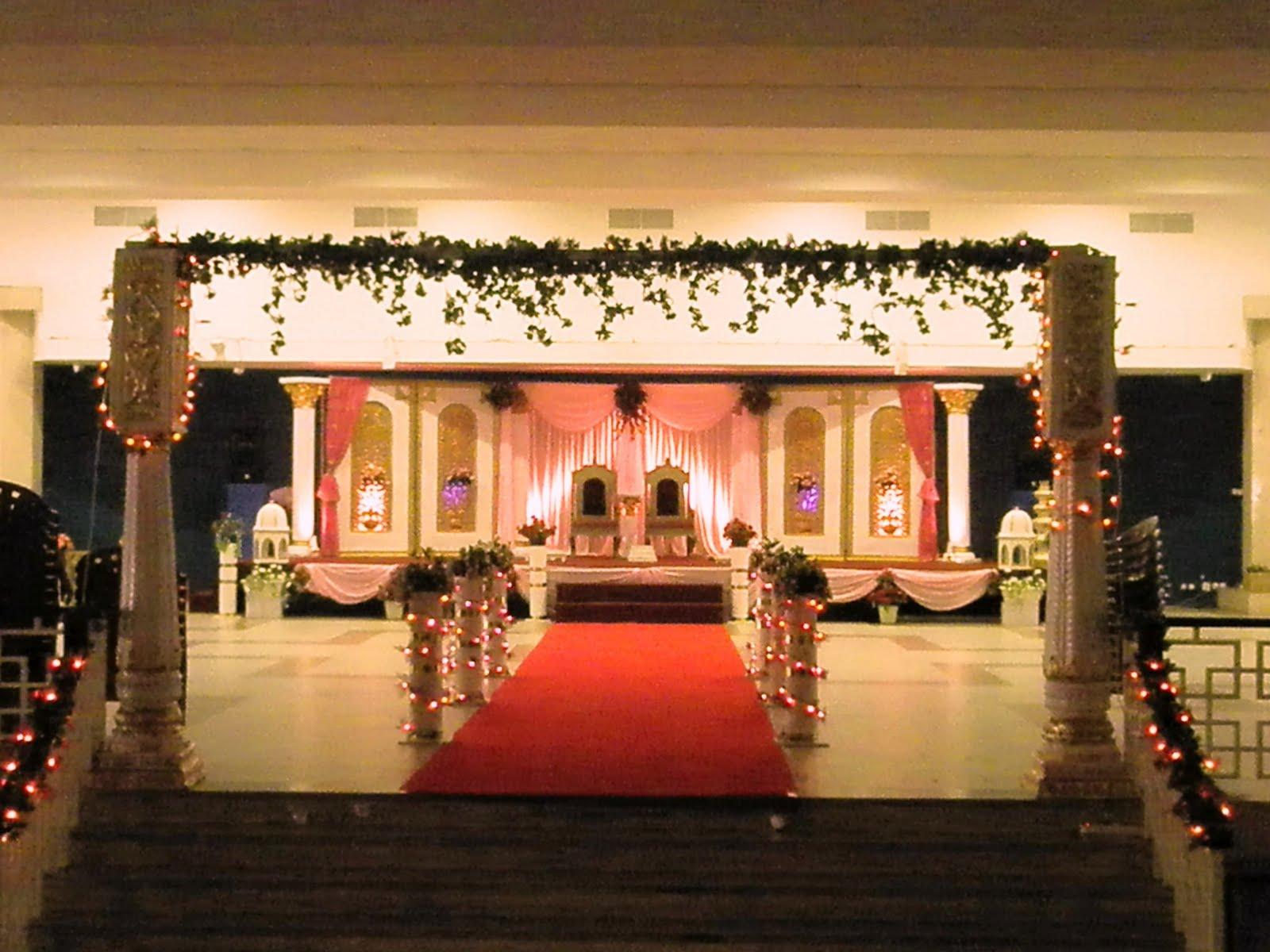 Traditional wedding decoration mandap decoration july 11 2009 junglespirit Image collections