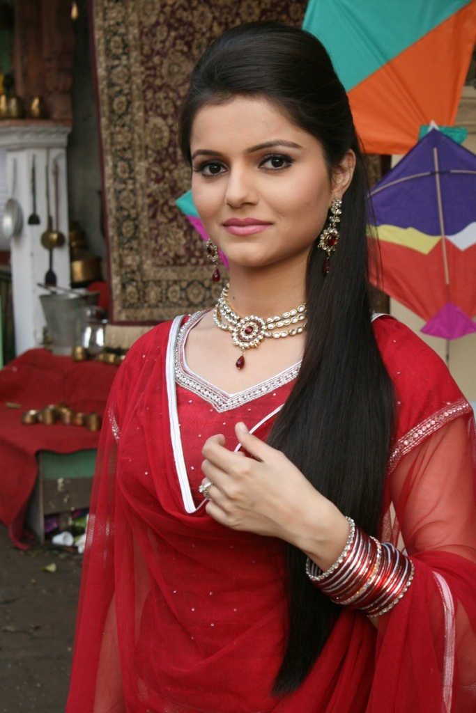 Rubina Dilaik  coming soon as  Zee Tv Serial Actress In Saree