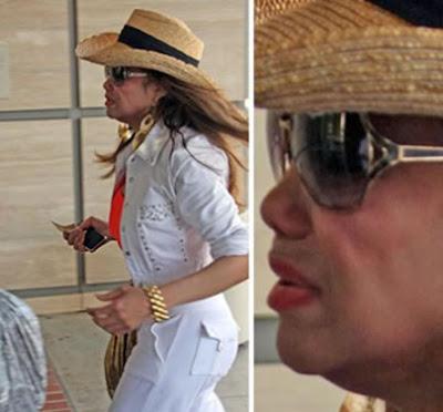 La Toya Jackson chega chorando ao hospital em que Michael Jackson morreu
