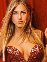 Jennifer Aniston só namora celebridades, diz fonte