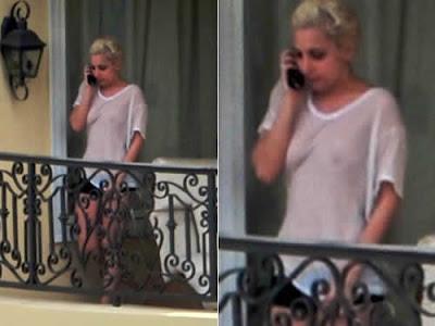Lady Gaga de blusa transparente e sem sutiã