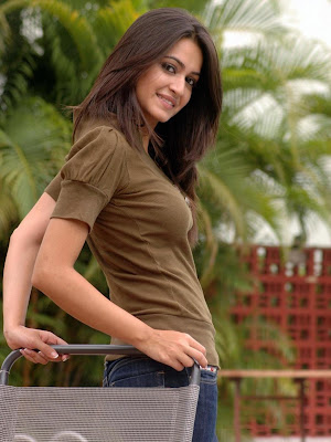 Kriti Kharbanda Spicy