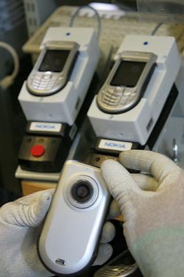 شوفوا التكنولوجيــــا  صور مصنع موبايلات نوكيـــا   فى فنلنـــدا 2010 18