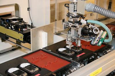 شوفوا التكنولوجيــــا  صور مصنع موبايلات نوكيـــا   فى فنلنـــدا 2010 16