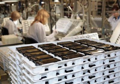 شوفوا التكنولوجيــــا  صور مصنع موبايلات نوكيـــا   فى فنلنـــدا 2010 1