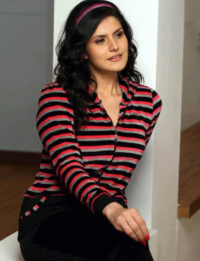 , Zarine Khan - Sweet Dreams Lounge Wear Photoshoot