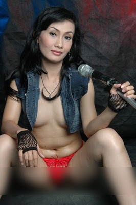 nude model Indonesian