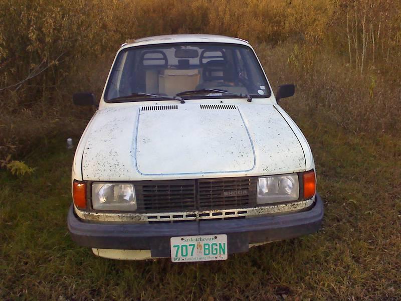 Just A Car Geek: 1987 Skoda 120 GLS Sedan