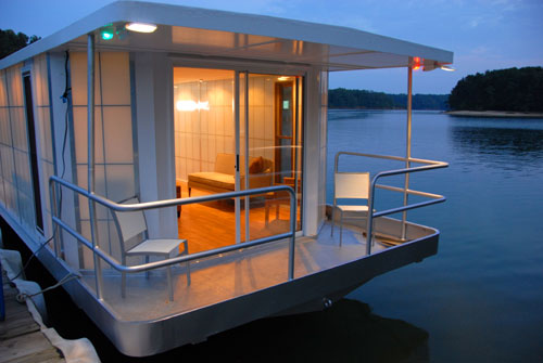 The MetroShip By Ballinger Co Is A Modern Houseboat Conceived Of In London And Hand Made USA Which Also Happens To Be Offered This Years