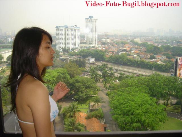 Koleksi Foto Bugil Chika Mahasiswi Bandung , gara gara sensor nih ...